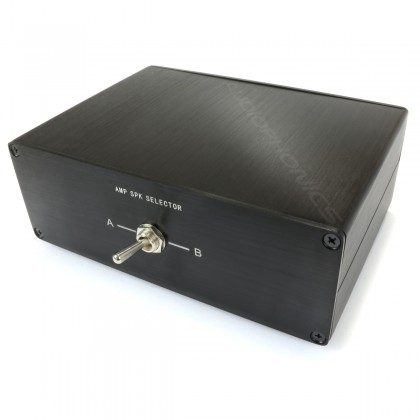 Audio Selector 1 2 1 OUT IN / 1 OUT IN 2 for speaker / amplifier Black