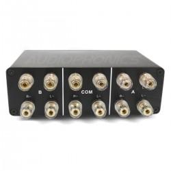 2 Sélecteur audio 2 IN 1 OUT / 1 IN 2 OUT pour enceintes / amplificateur Noir