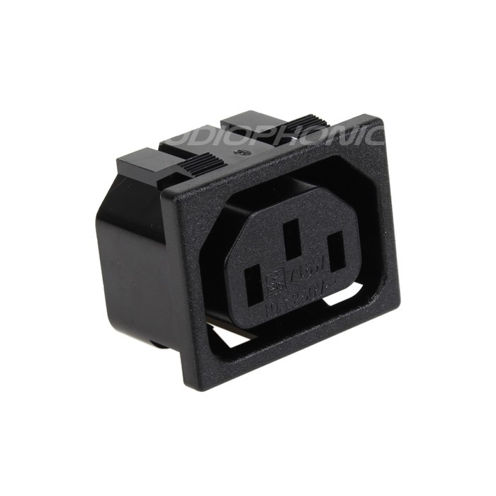 IEC Female Socket 10A / 250V