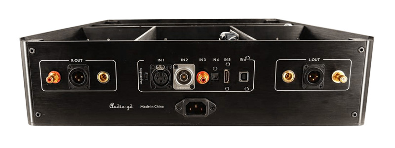 Audio-GD R-7HE Connectique