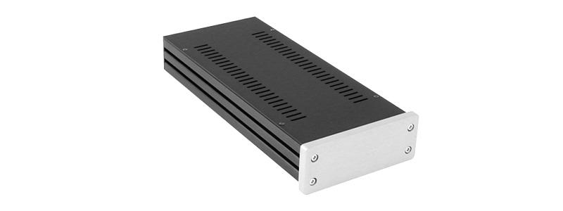 HIFI 2000 1NGXA148 Boîtier Aluminum 124x40x230mm Façade Avant Argent