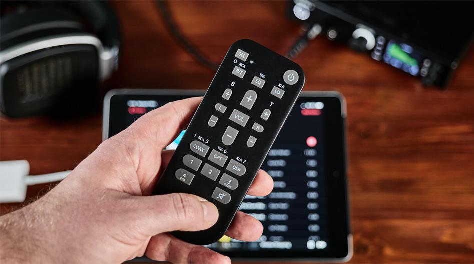 RME ADI-2 PRO FS R BLACK EDITION ADC DAC Amplificateur Casque Symétrique SteadyClock FS 768kHz DSD256